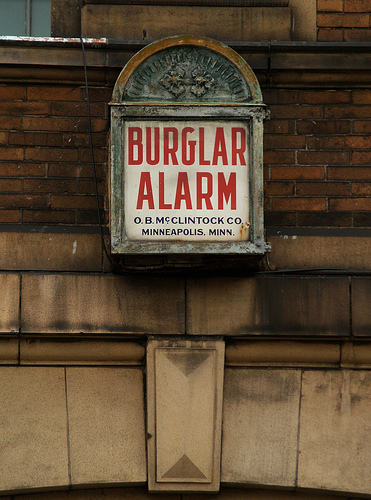 how to catch a burglar